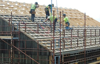 Placing roof cassettes on the new Healthcare Centre