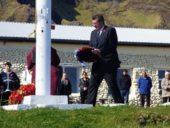 Administrator laying his wreath