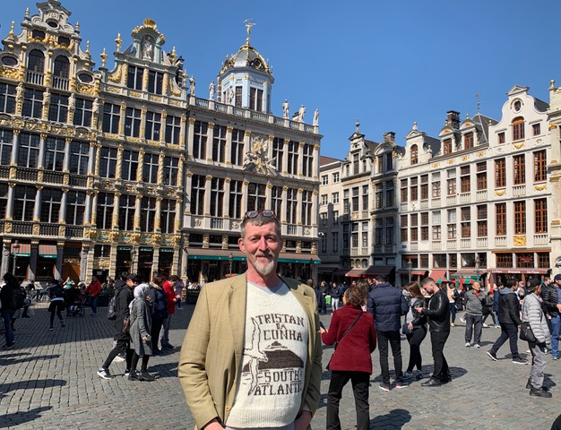 Jan Bultheel wearing his Tristan sweater in the Grand Place, Brussels, Belgium