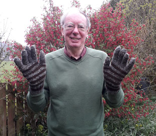 Fraser Simm wears his newly arrive Tristan gloves.